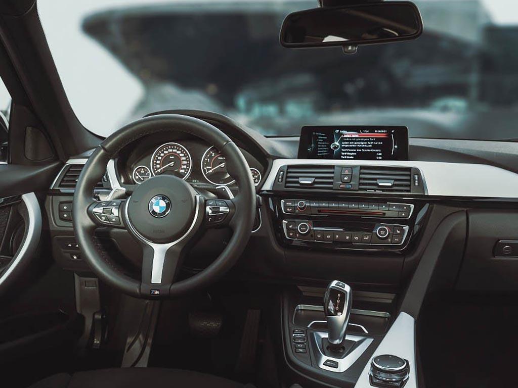 Antalya Kiralık Otomatik BMW 320i
